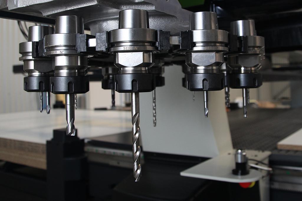 Ogromny Centra Obróbcze 5-osiowe - Profesjonalne maszyny CNC - SERON ZJ41