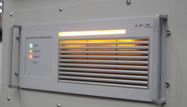 wycinarka-światłowodowa-fiber-źródło-IPG