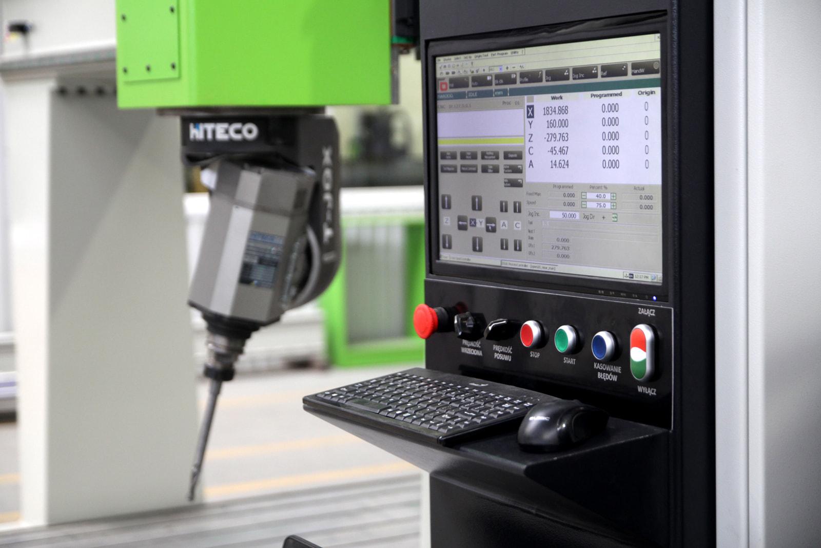 Funkcjonalny i intuicyjny system sterowania maszyną CNC