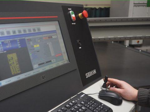 Funkcjonalne i intuicyjne sterowanie plotera plazmowego